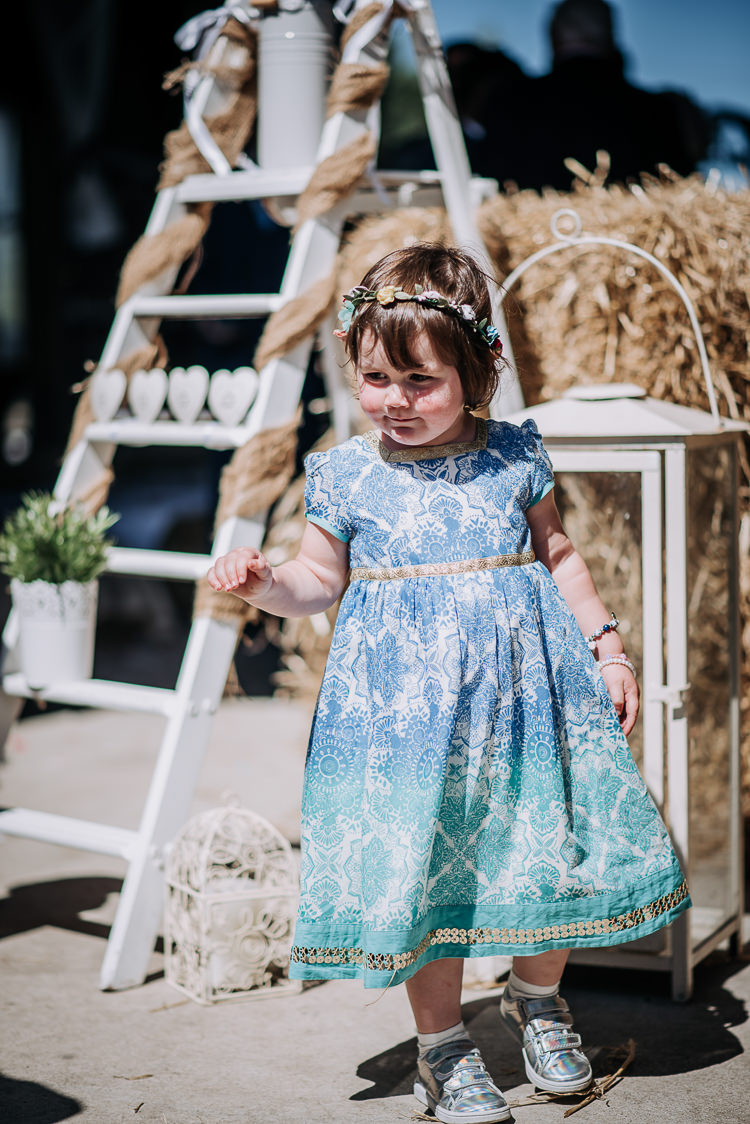 Flower Girl Crown Circlet Rustic Farm Barn DIY Wedding http://www.kazooieloki.co.uk/