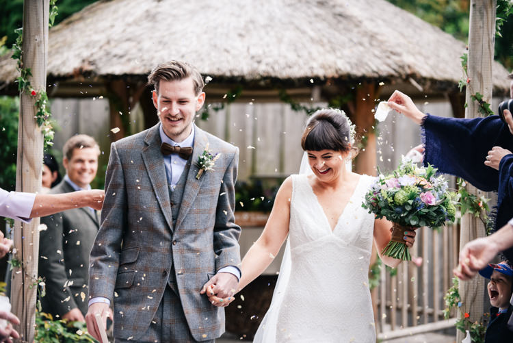 Confetti Throw Bride Groom Camp Festival Style Chilled Wedding http://www.memoriesmilestones.co.uk/