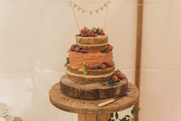 Naked Cake Layer Sponge Barrell Bunting Topper DIY Rustic Woodland Marquee Wedding http://www.rebeccadouglas.co.uk/