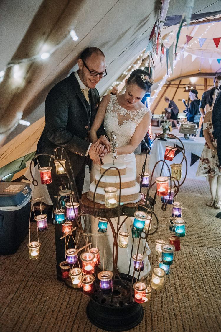 Cake Table Metal Tea Lights Log Stand DIY Outdoor Tipi Vineyard Wedding http://www.kazooieloki.co.uk/
