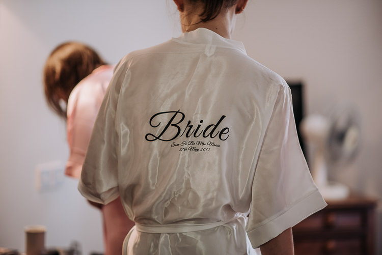 Bride Dressing Gown Personalised DIY Outdoor Tipi Vineyard Wedding http://www.kazooieloki.co.uk/