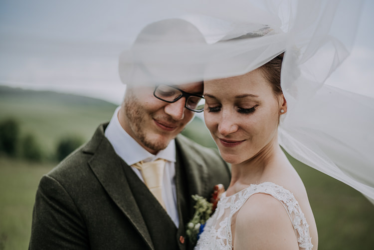 Veil Bride Groom Shot DIY Outdoor Tipi Vineyard Wedding http://www.kazooieloki.co.uk/
