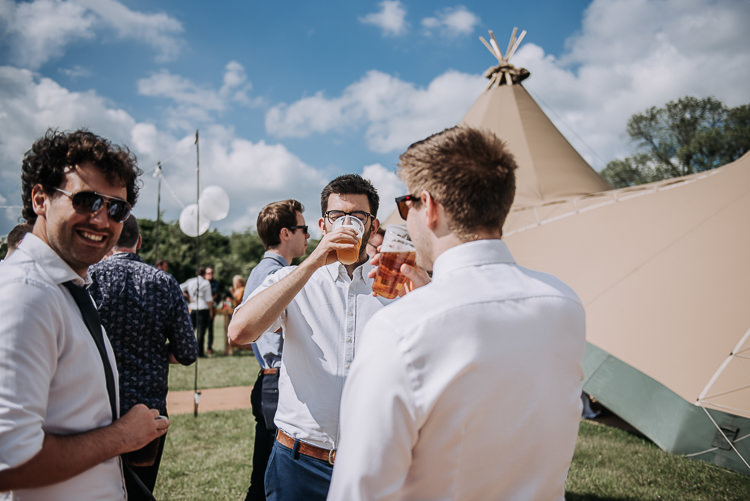 DIY Outdoor Tipi Vineyard Wedding http://www.kazooieloki.co.uk/