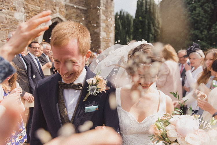 Confetti Throw Relaxed Home Made Love Barn Wedding http://www.rebeccadouglas.co.uk/