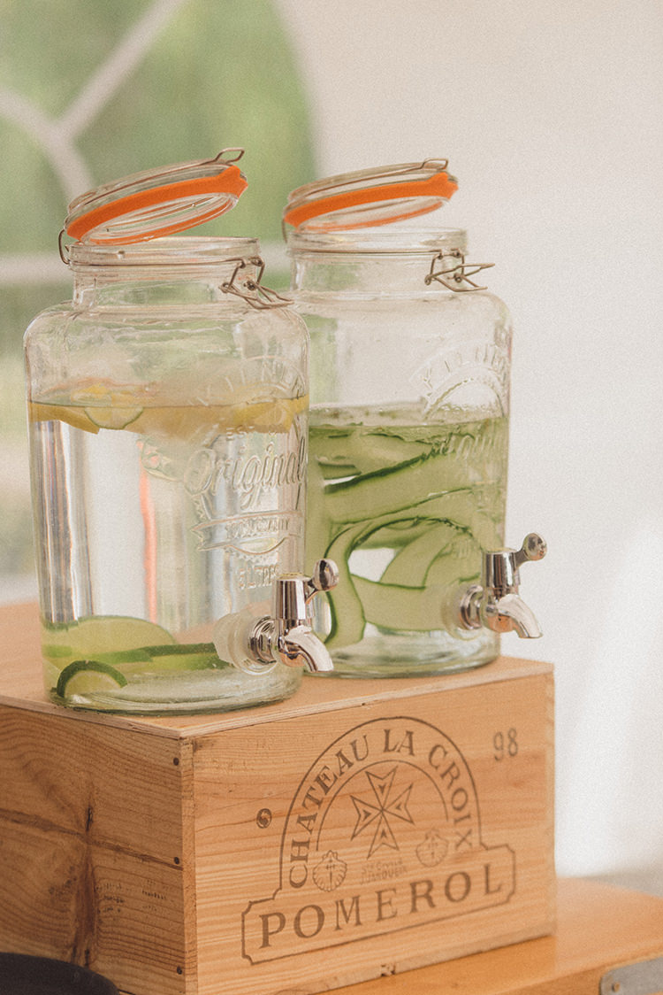 Drink Dispensers Crate Box Bar Stand Station Relaxed Home Made Love Barn Wedding http://www.rebeccadouglas.co.uk/
