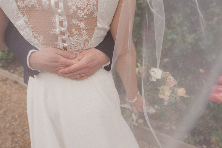 Lace Button Dress Back Bride Bridal Relaxed Home Made Love Barn Wedding http://www.rebeccadouglas.co.uk/