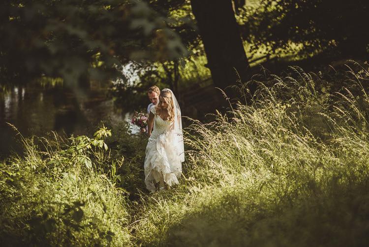 Enchanting Woods Inspired Country Wedding http://alexapenberthy.com/