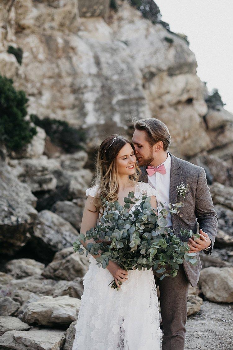 Bride Groom Bouquet Rocks Beach Whimsical Greenery Wedding Ideas Sea http://eglejo.lt/