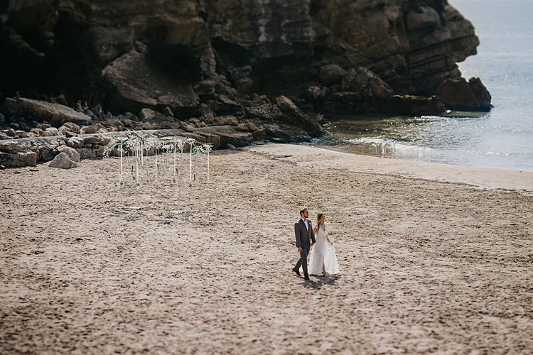 Bride Groom Beach Whimsical Greenery Wedding Ideas Sea http://eglejo.lt/