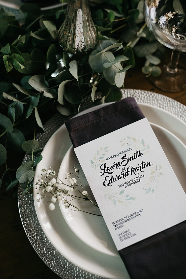 Place Setting Whimsical Greenery Wedding Ideas Sea http://eglejo.lt/