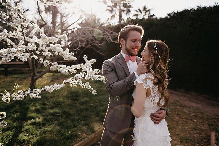 Bride Groom Blossom Whimsical Greenery Wedding Ideas Sea http://eglejo.lt/