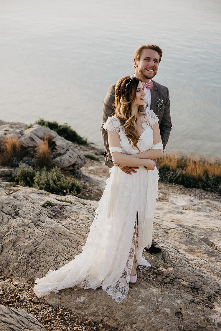 Bride Groom Beach Rocks Whimsical Greenery Wedding Ideas Sea http://eglejo.lt/
