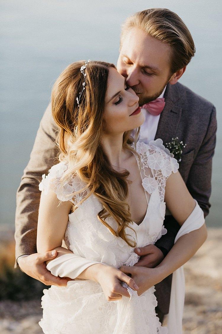 Bride Groom Kiss Whimsical Greenery Wedding Ideas Sea http://eglejo.lt/