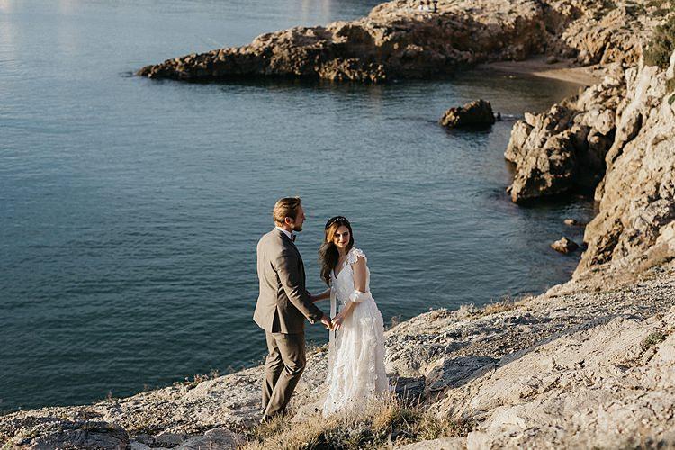 Bride Groom Coast Whimsical Greenery Wedding Ideas Sea http://eglejo.lt/