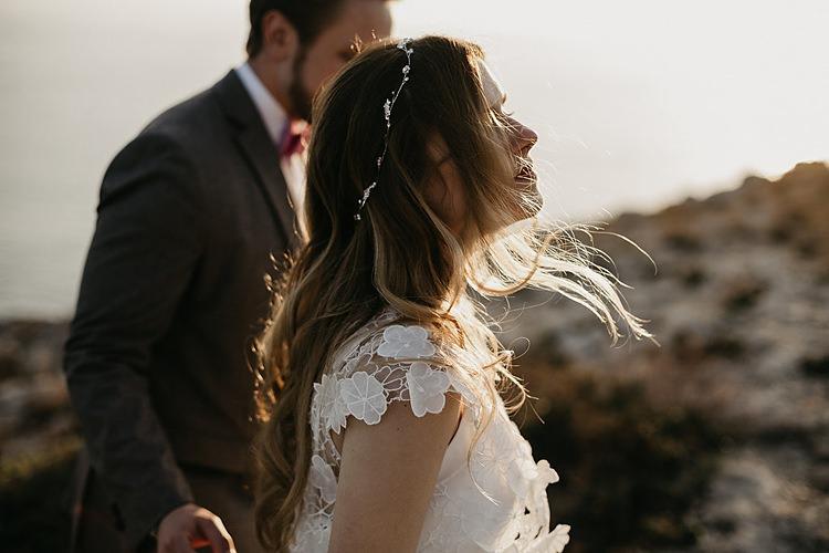 Bride Groom Breeze Coast Whimsical Greenery Wedding Ideas Sea http://eglejo.lt/