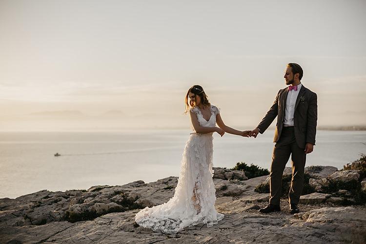 Bride Groom Sunset Cliff Whimsical Greenery Wedding Ideas Sea http://eglejo.lt/