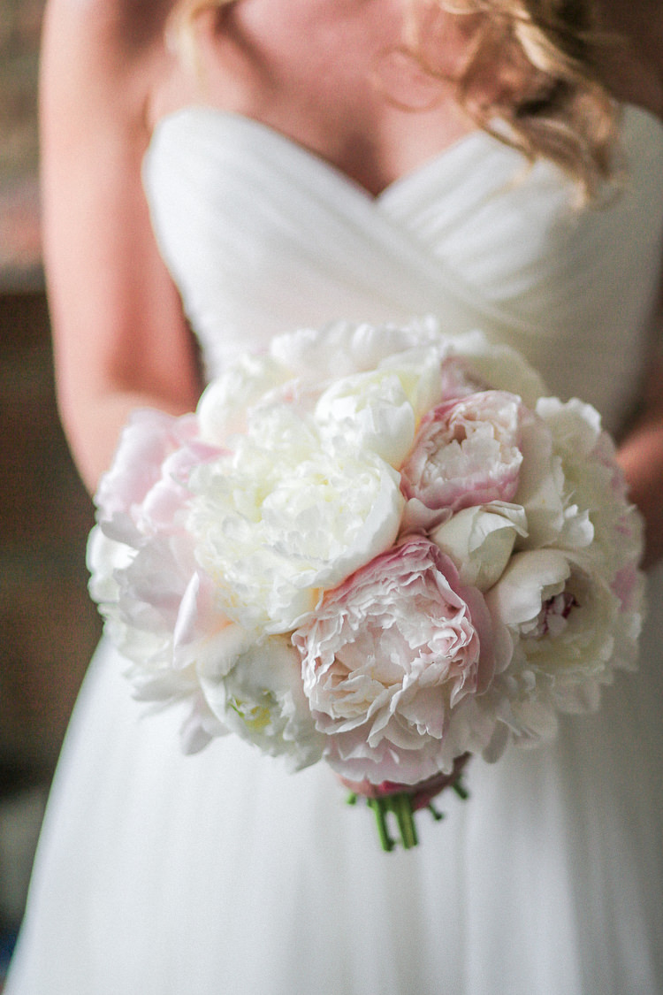 Blush Pink Wedding Flowers Bouquets Peony Peonies http://helenrussellphotography.co.uk/