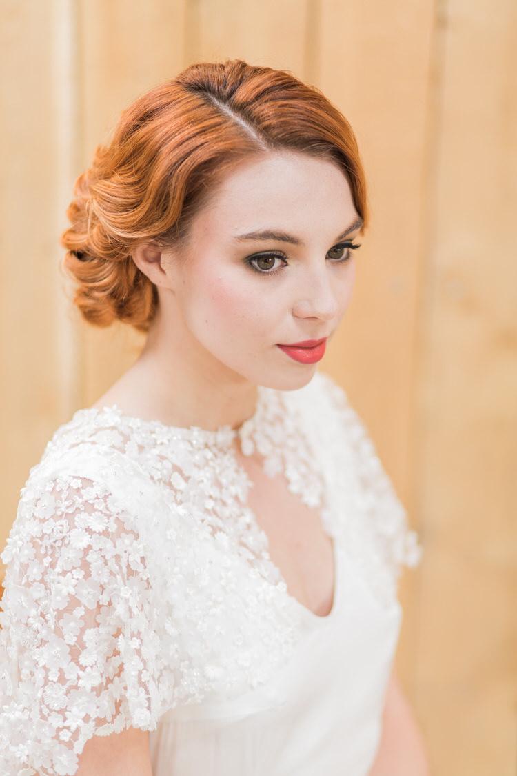 Bride Bridal Make Up Beauty Ethereal Fine Art William Morris Wedding Ideas http://jessicadaviesphotography.co.uk/
