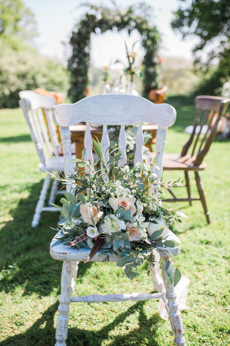 Foliage Flowers Roses Bouquet Pink Cream Feather Bride Bridal Bohemian Garden Greenery Wedding Ideas http://www.storytellerphotography.co.uk/