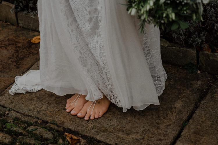 Barefoot Bride Bridal Bohemian Dreamy Natural Boho Barn Wedding https://heychrisrandle.com/