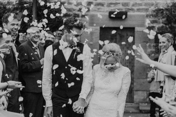 Confetti Throw Dreamy Natural Boho Barn Wedding https://heychrisrandle.com/