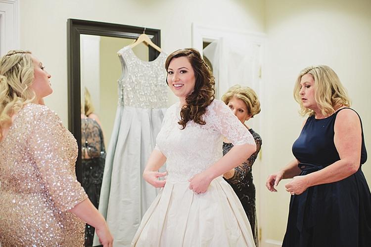 Bride Getting Ready Magical Wedding Ceremony Beneath An Oak Tree Florida http://stephaniew.com/
