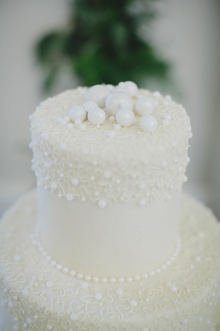Cake Pearls Magical Wedding Ceremony Beneath An Oak Tree Florida http://stephaniew.com/