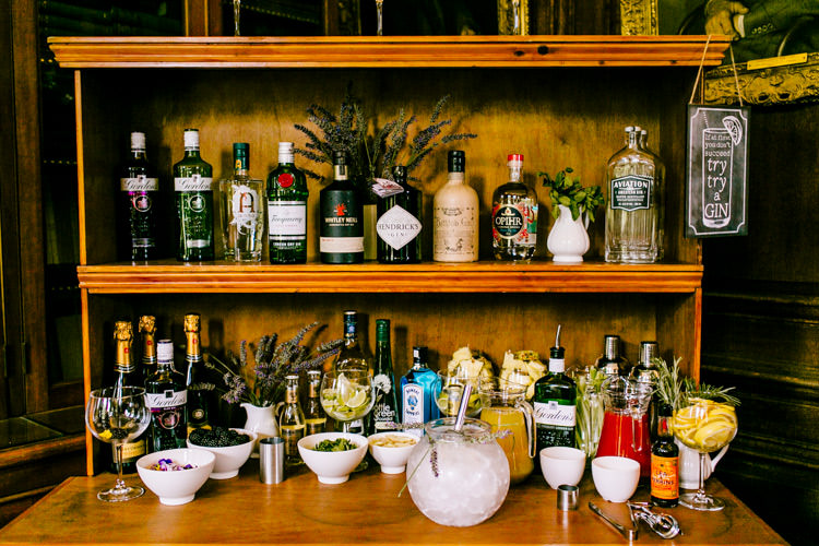 Gin Bar DIY Setup Cocktail Hour Drinks Reception Stylish Sassy Gin Wedding http://epiclovestory.co.uk/