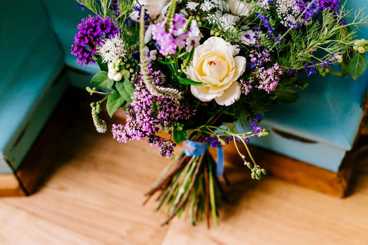 Stylish Sassy Gin Wedding http://epiclovestory.co.uk/
