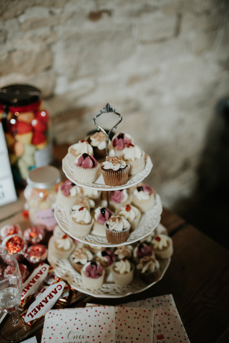 Cupcakes Modern Rose Gold Barn Wedding https://www.paulfullerkentphotography.com/