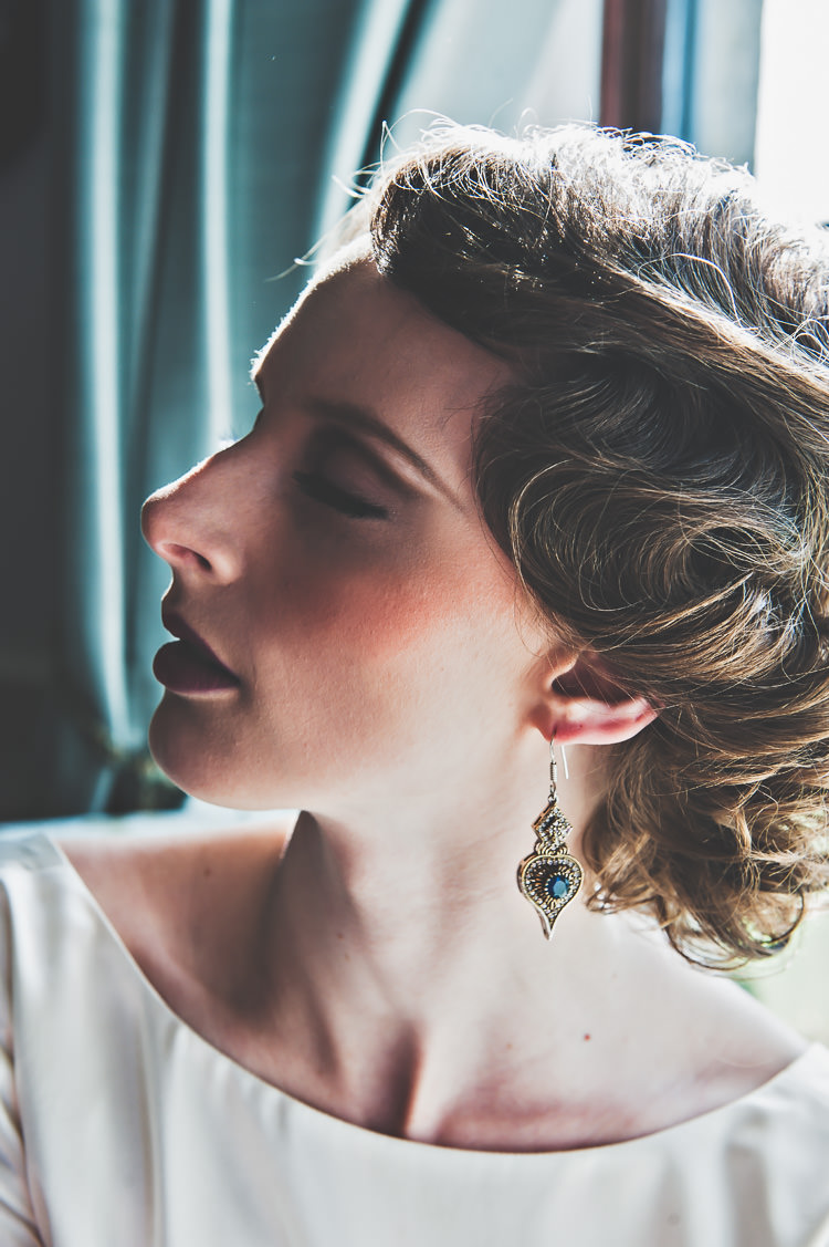 Make Up Bride Bridal Style Beauty Thoroughly Modern Cecilia Atonement Glamorous 1940s Wedding Ideas http://ikonworks.co.uk/