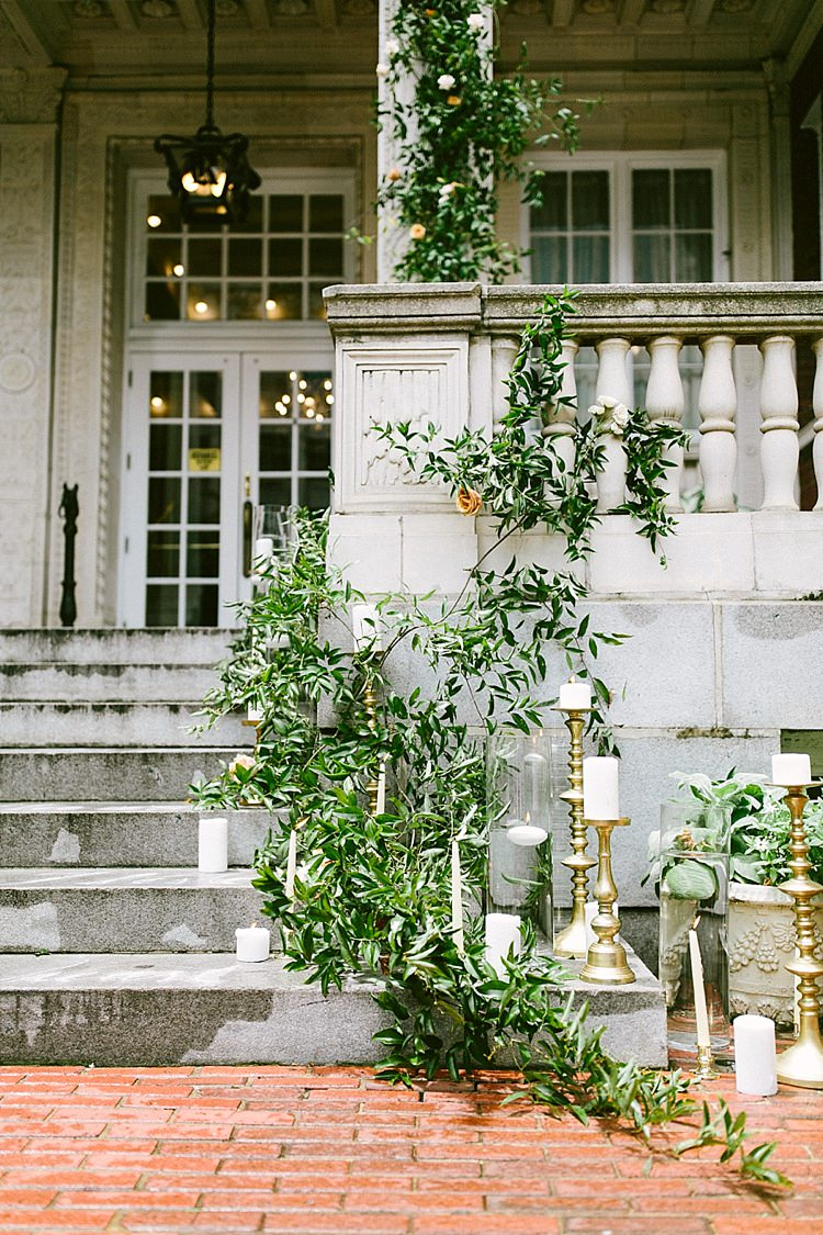 Aisle Steps Stone Greenery Candles Gold Modern Elegance Marble Greenery Gold Wedding Ideas http://www.jettwalkerphotography.com/