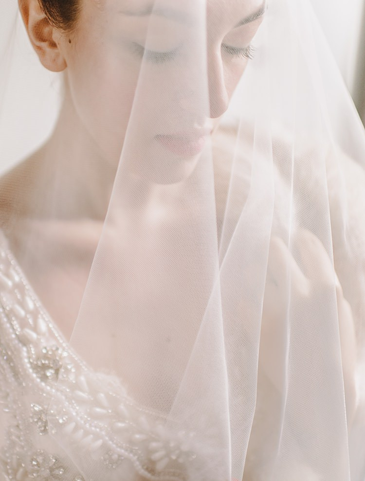 Veil Moody Edwardian Winter Wedding Inspiration http://landmhewitt.com/