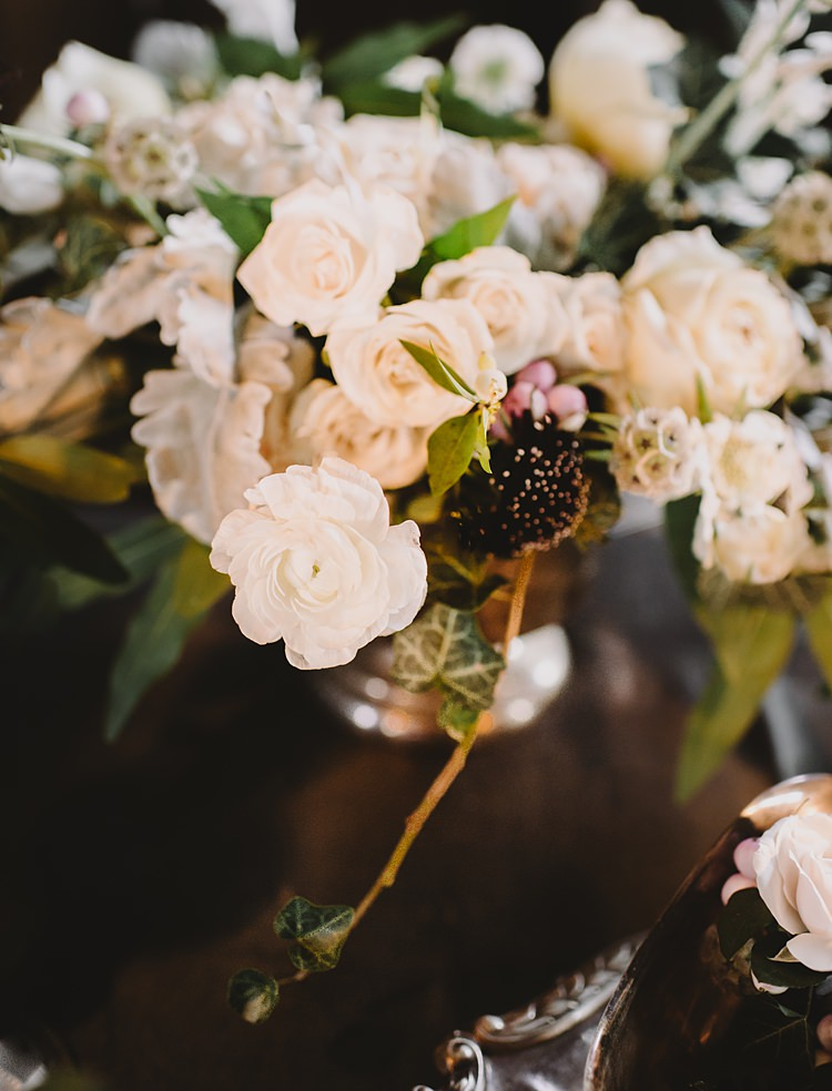 Bouquet Moody Edwardian Winter Wedding Inspiration http://landmhewitt.com/