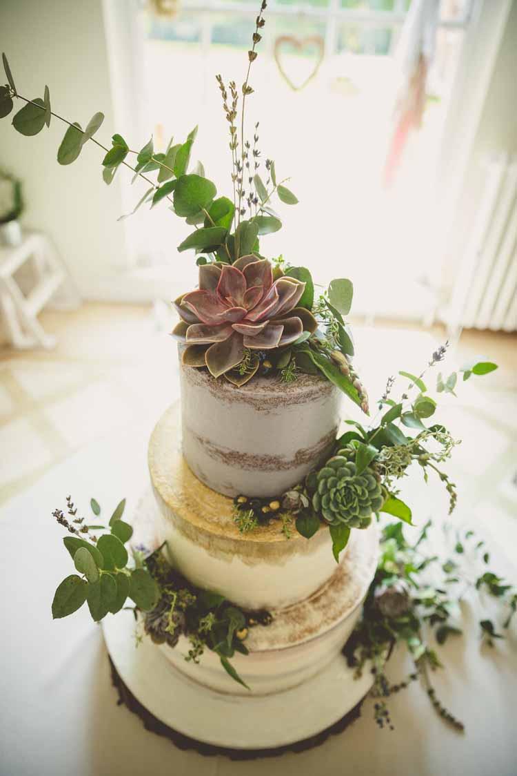 Metallic Buttercream Cake Succulents Ideas Decor http://www.photographybypaloma.co.uk/