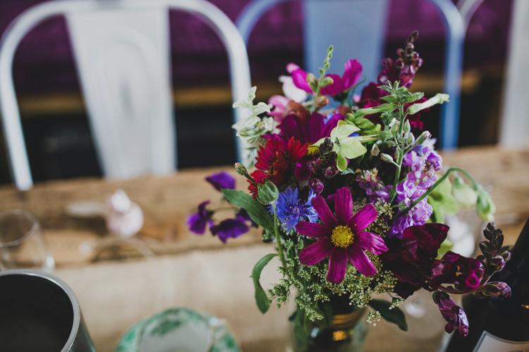 Flowers Table Decor Quaint Floral Antique Rustic Wedding http://www.larissajoice.co.uk/