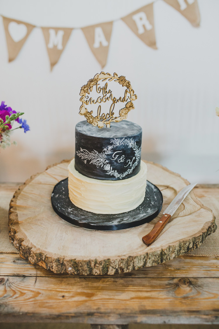 Black Chalk Cake Illustrated Log Stand Peraonlised Wooden Topper Quaint Floral Antique Rustic Wedding http://www.larissajoice.co.uk/