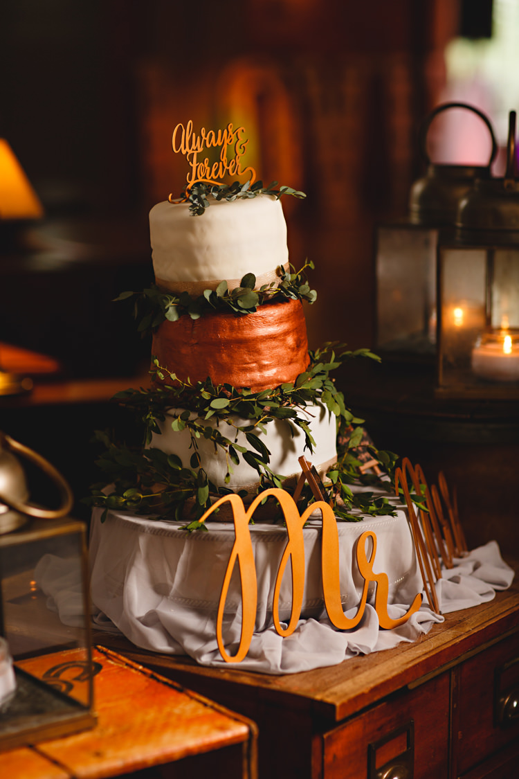Cake Foliage Sign Calligraphy Industrial Rose Gold Dove Grey Greenery Wedding http://hbaphotography.com/
