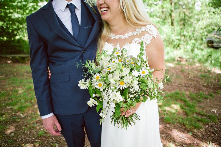 Bouquet Flowers Daisy Foliage Greenery Bride Bridal Woodland Farm Camp Wedding http://emmastonerweddings.com/