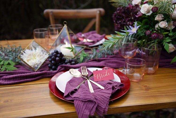 Autumn Inspiration Jewel Tones Tablescape Burgundy http://www.evatarnok.com/
