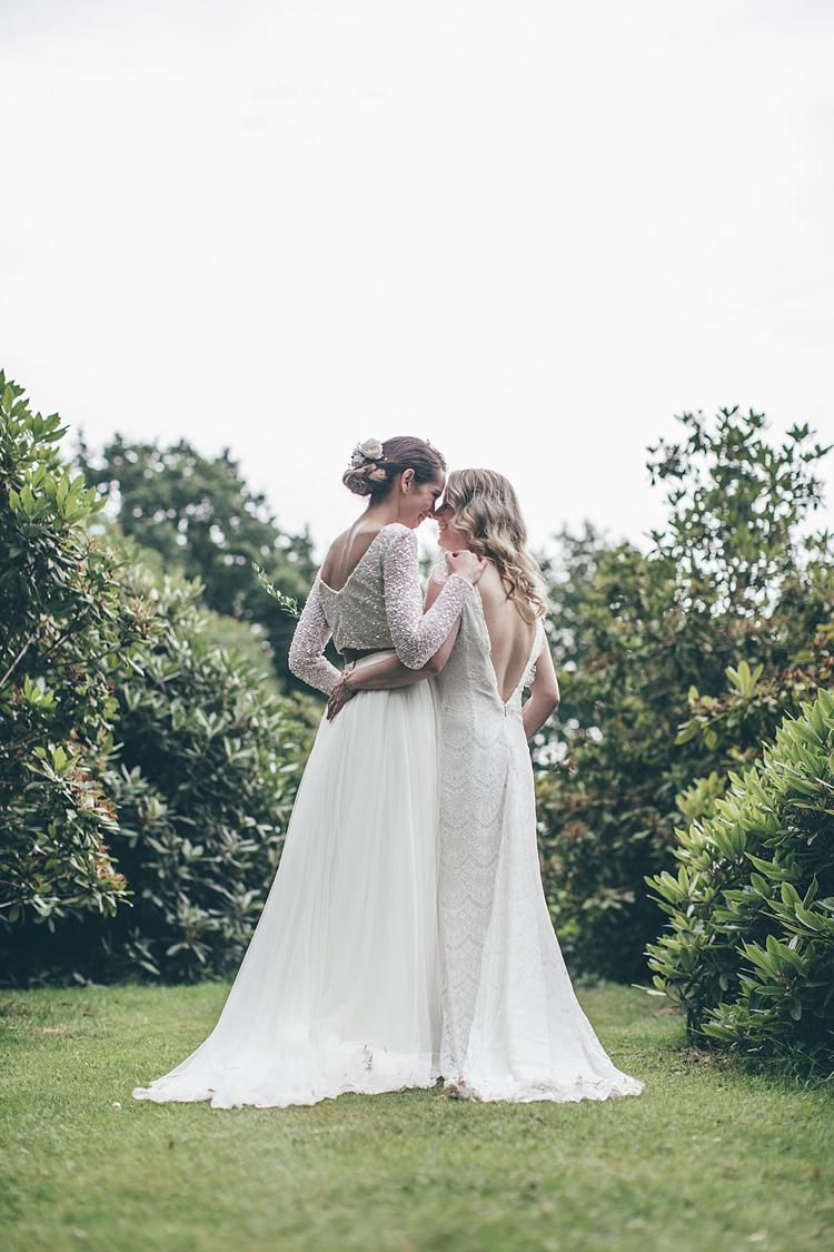 Beautiful Garden Wedding Ideas: Beautiful Floral Bohemian Garden Wedding