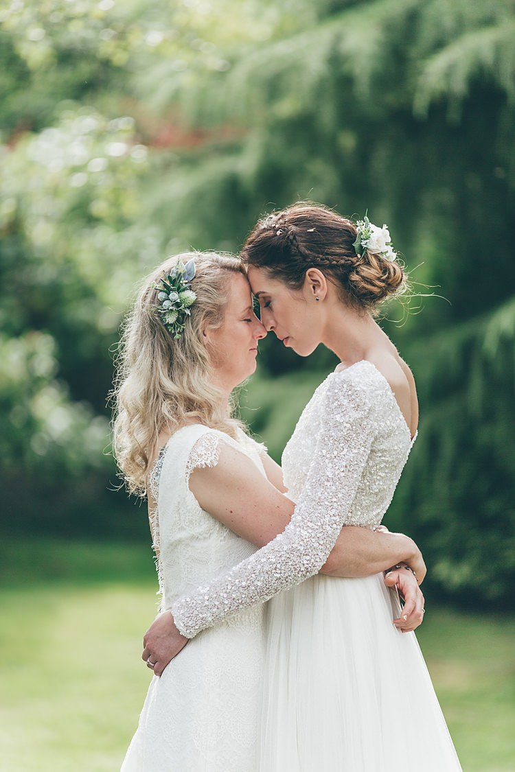 Hair Bride Bridal Flowers Up Do Down Loose Waves Beautiful Floral Bohemian Garden Wedding http://rachellambertphotography.co.uk/