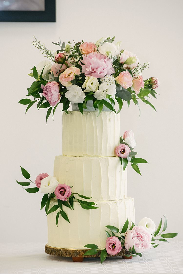 Buttercream Cake Flowers Floral Rose Peony Crafty Pretty Pastel Budget Wedding http://lilysawyer.com/