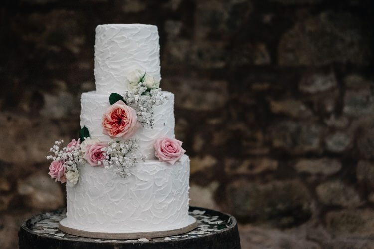Buttercrem Cake Flowers Twinkling Rustic DIY Barn Wedding https://www.harperscottphoto.com/