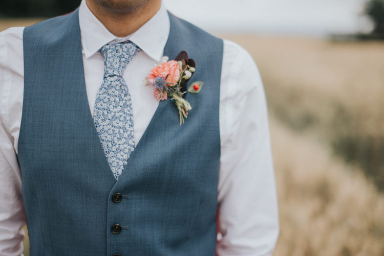 Rose Thistle Buttonhole Groom Incredibly Pretty Thoughtful Tipi Wedding http://katewatersphotography.com/