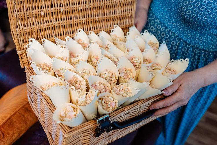 Confetti Cone Real Petals Hamper Basket Cute Summer Festival Tipi Wedding http://www.daffodilwaves.co.uk/