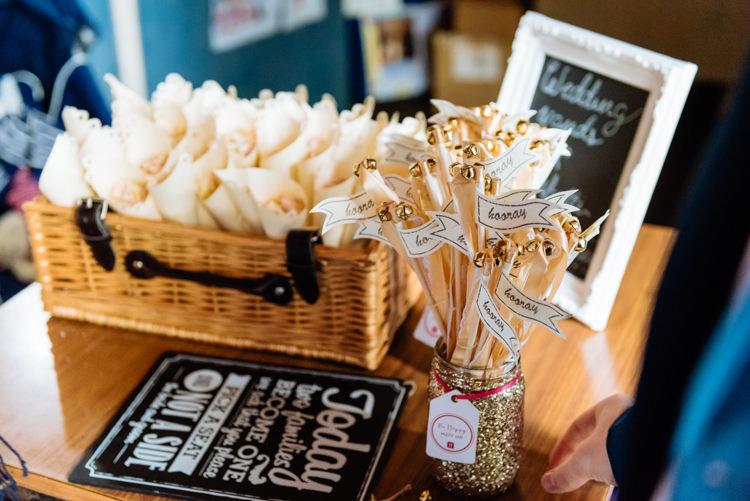 Card Table Confetti Hooray Flag Hamper Gold Glitter Cute Summer Festival Tipi Wedding http://www.daffodilwaves.co.uk/
