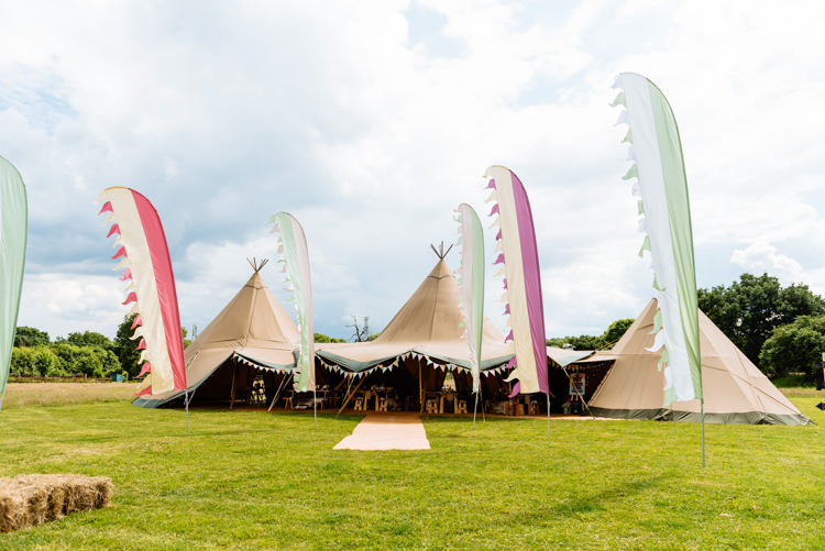 Flags Outdoor Hay Bales Cute Summer Festival Tipi Wedding http://www.daffodilwaves.co.uk/