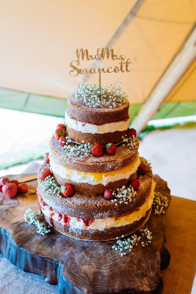 Naked Cake Buttercream Sponge Fruit Topper Mr & Mrs Glitter Gold Wood Slice Tree Cute Summer Festival Tipi Wedding http://www.daffodilwaves.co.uk/