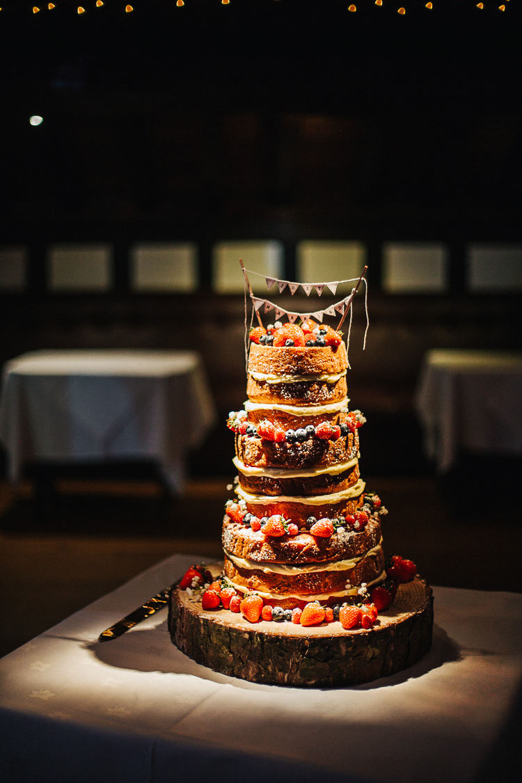 Naked Cake Sponge Layer Fruit Log Bunting Exquisite Relaxed Rustic Barn Wedding http://www.emiliemay.com/